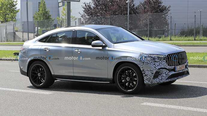 mercedes-benz-gle-coupe-facelift-new-spy-photo-front-three-quarters (5)