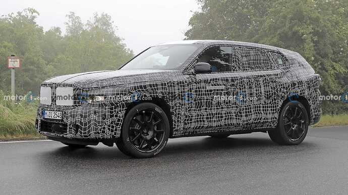 bmw-x8-spied-flaunting-unusual-tailpipe-layout (13)
