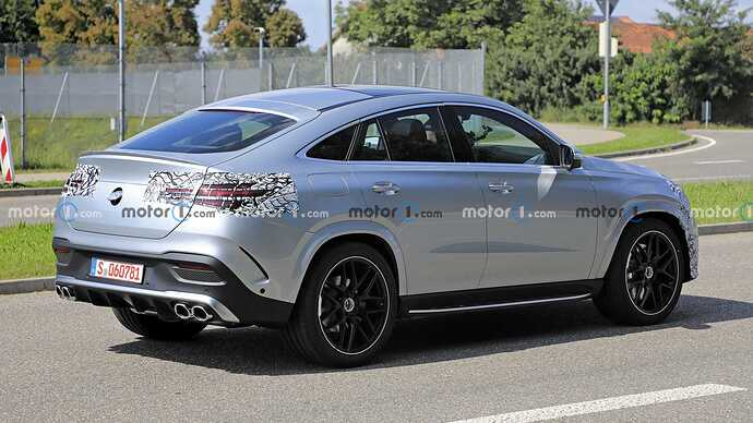 mercedes-benz-gle-coupe-facelift-new-spy-photo-rear-three-quarters (1)