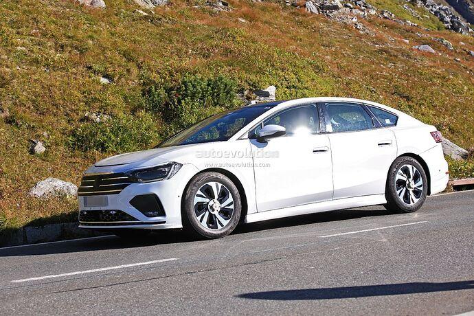 volkswagens-tesla-model-3-rival-begins-public-testing-with-435-miles-range_13